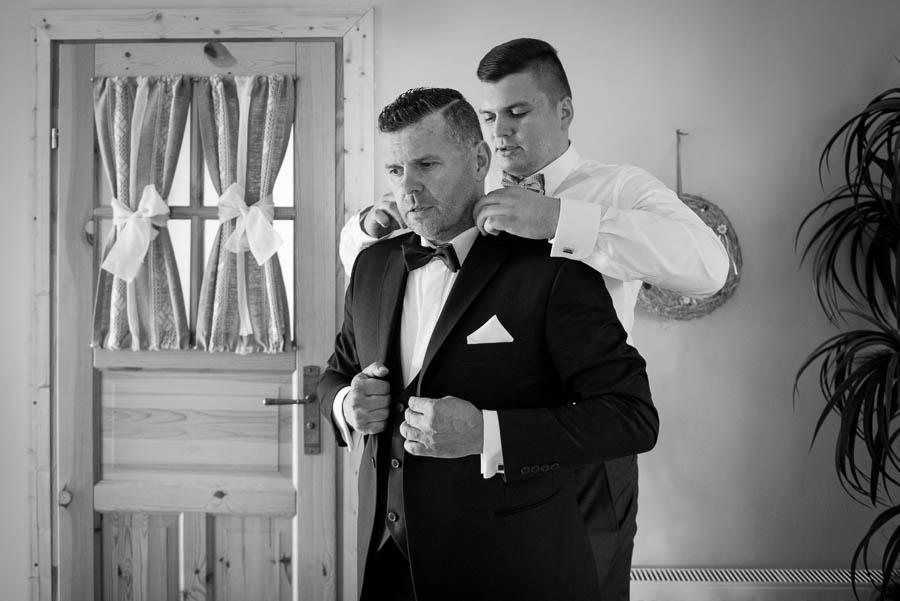 ubieranie ojca weselnego