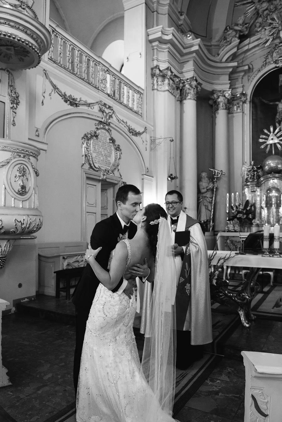 ślub w kościele w Rydzynie