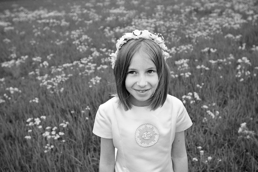 dziewczynka komunijna