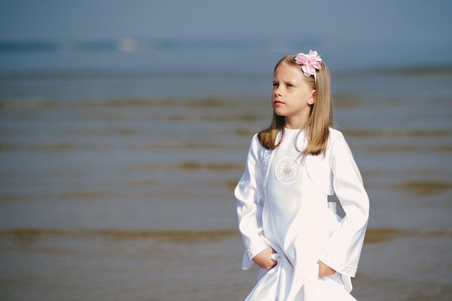 zdjęcia komunijne na plaży