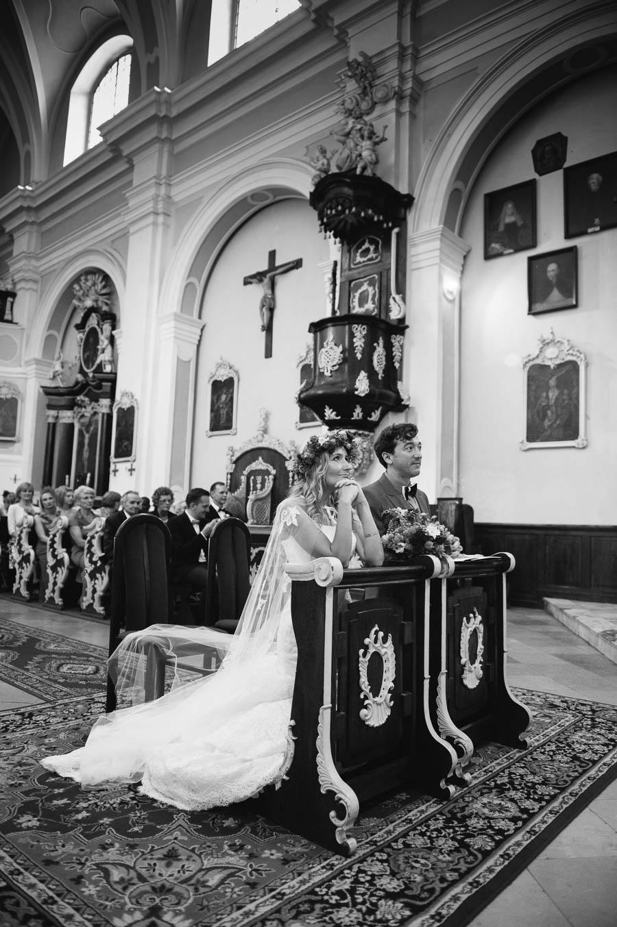 ceremonia ślubu kościelnego Woźniki